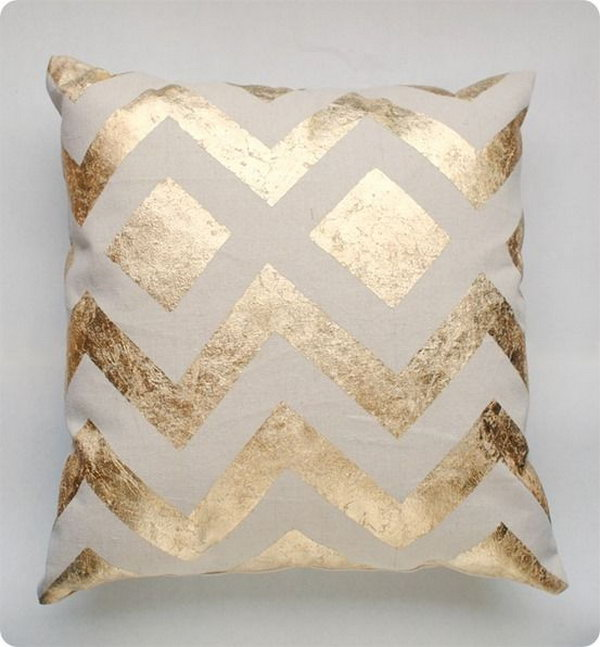 32 DIY Metallic Gold Pillow