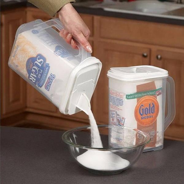 32 Flour and Sugar Dispenser