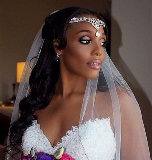 33 half up curly black hairstyle for bridal veil