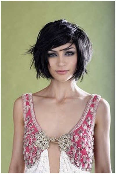 47 Choppy thick layered hairstyle with side swept bang
