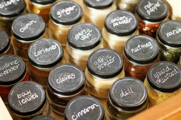 5 Create A Spice Drawer Using Baby Food Jars With Chalkboard Painted Lids