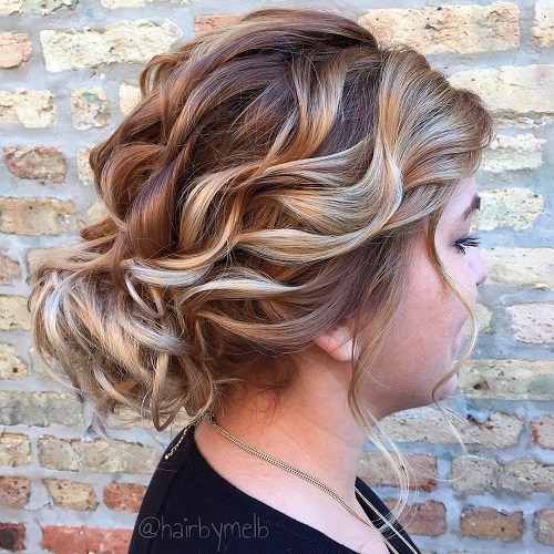 5 curly loose updo for round face