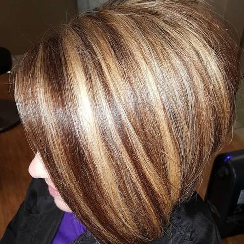 9 brown bob with chunky caramel highlights