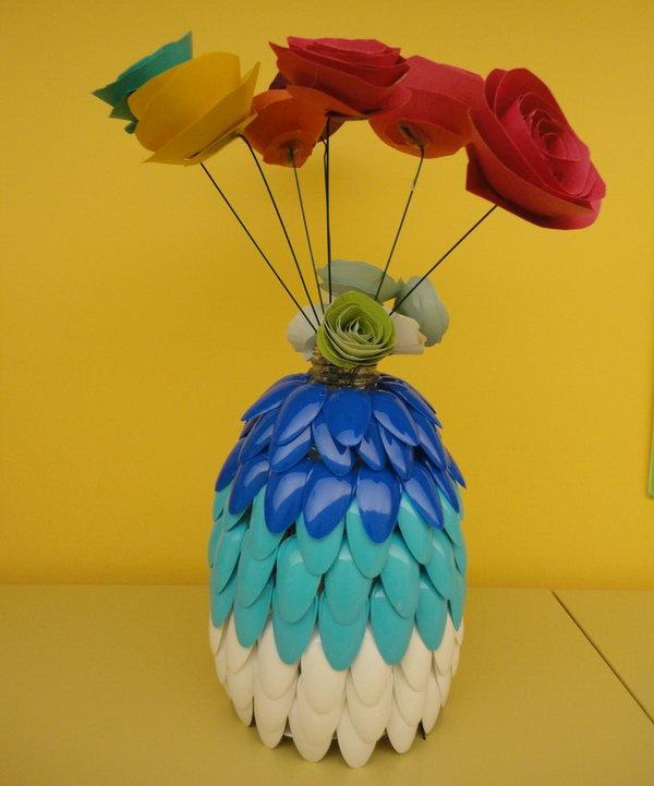 14 Plastic Spoon Vase
