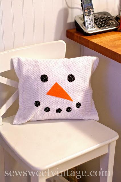 40 DIY Snowman Pillow
