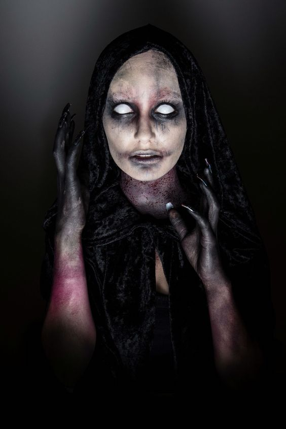 16 Scary Horrifying Halloween Makeup Ideas