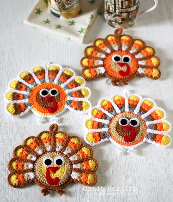 19 Easy Thanksgiving Crafts To Make
