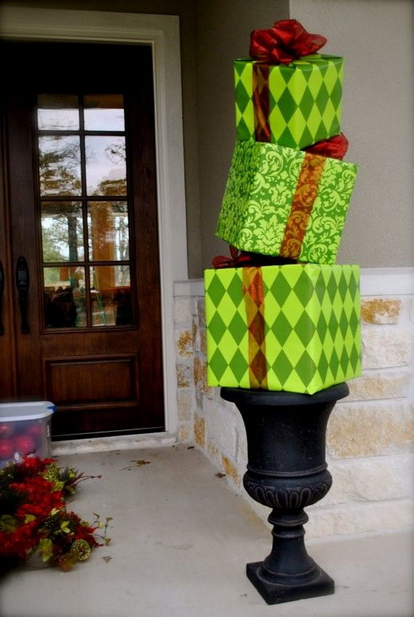 23 Amazing DIY Outdoor Christmas Decorating Ideas and Tutorials