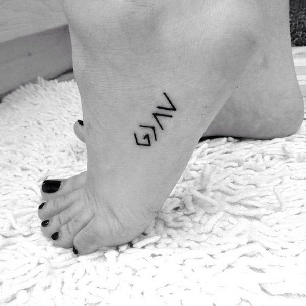 23 Simple Lines Tattoo on Foot