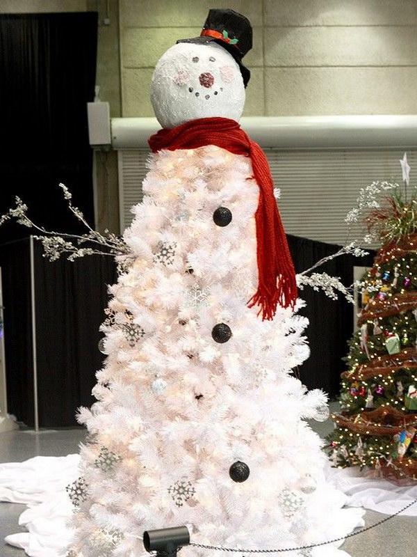 28 Amazing DIY Outdoor Christmas Decorating Ideas and Tutorials