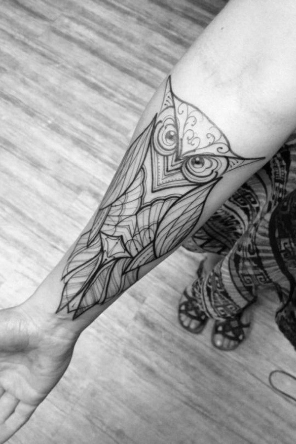 28 Black And White Design On Forearm