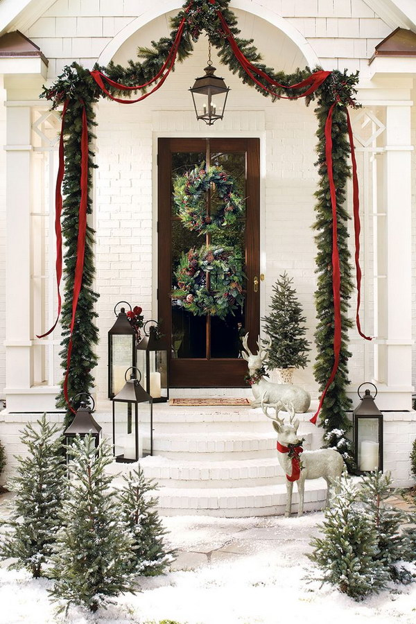 29 Amazing DIY Outdoor Christmas Decorating Ideas and Tutorials
