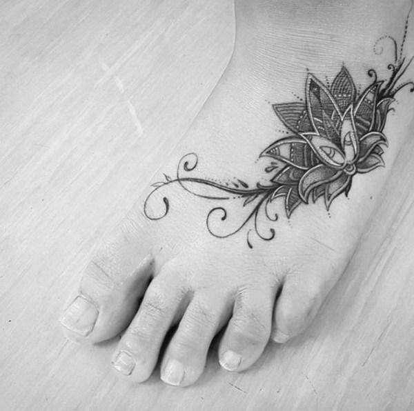 6 Little Mandala Piece on Foot
