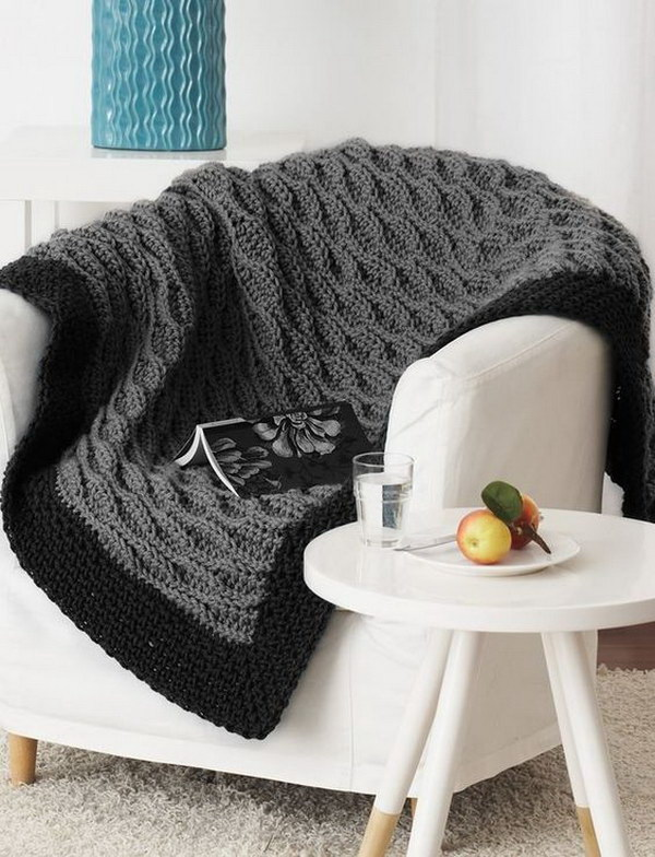 20 Beautiful Crochet Blankets with Free Patterns