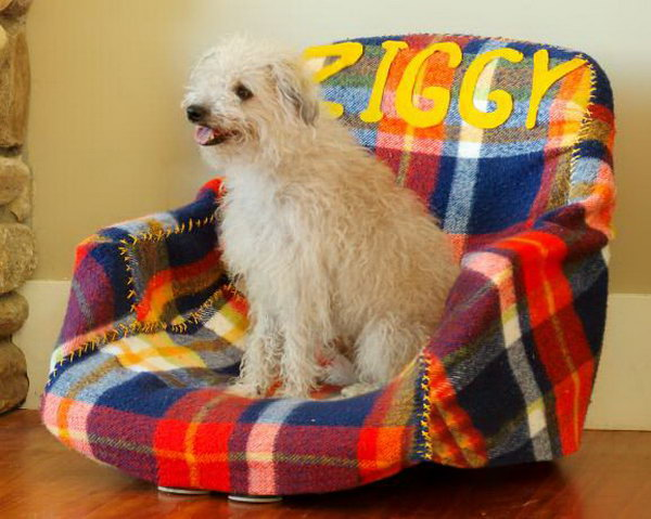 27 Creative DIY Pet Bed Ideas  and  Tutorials
