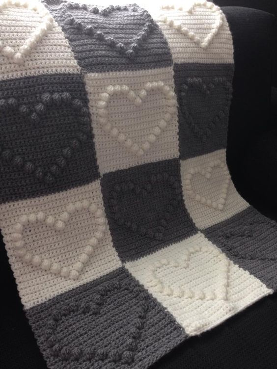 8 Beautiful Crochet Blankets with Free Patterns