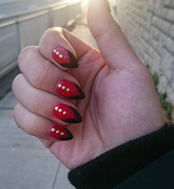10 Red-and-Black-Stiletto-Nails