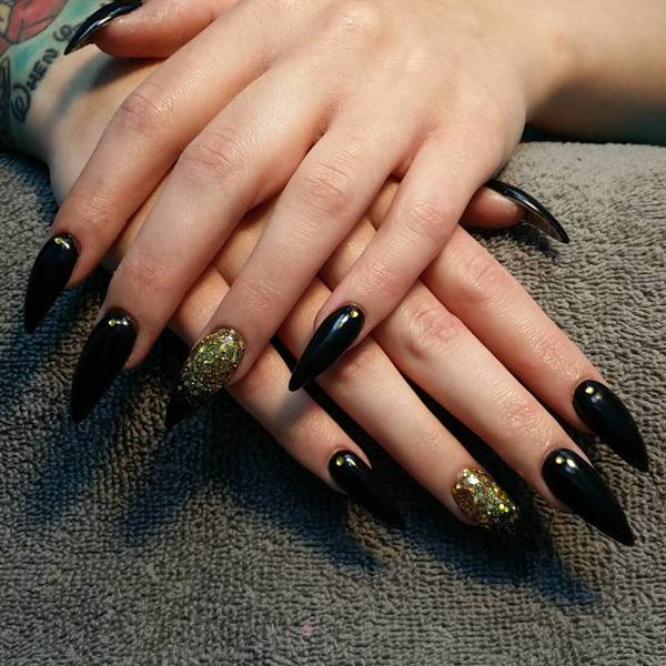 7 Black-and-Gold-Stiletto-Nail-Design