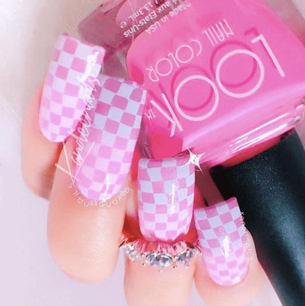 1 Looks Pretty Pink Nail Inspiration