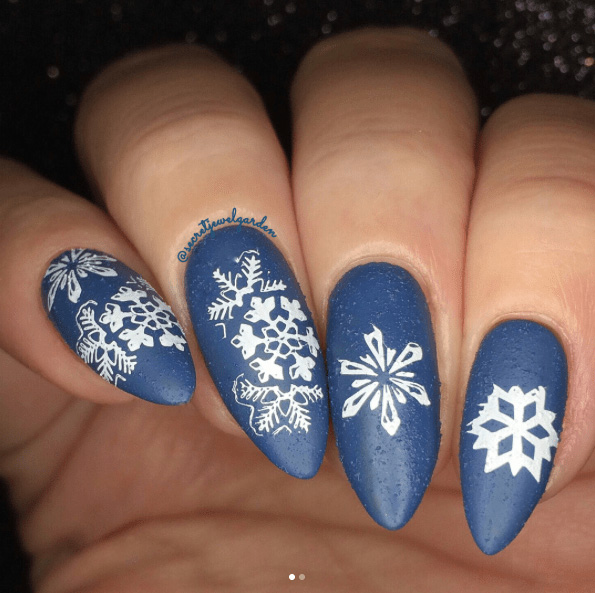 11 Snowy Nail Designs