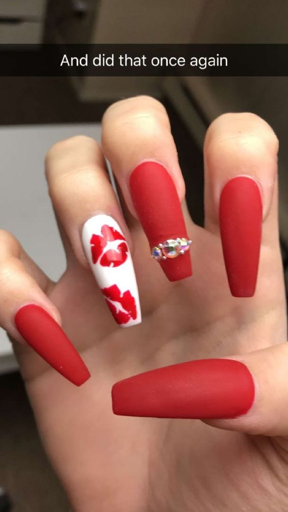 11 valentines nails