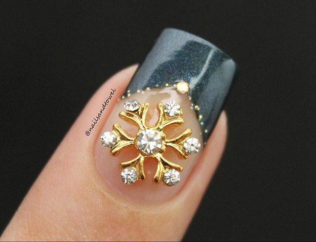 12 Snowy Nail Designs