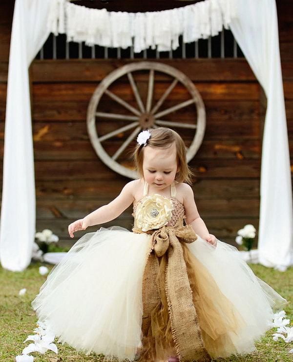 17 Beautiful Rustic Wedding Ideas