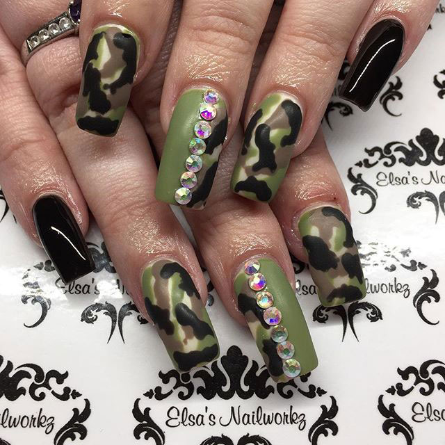 21-Camouflage-Nail-Designs