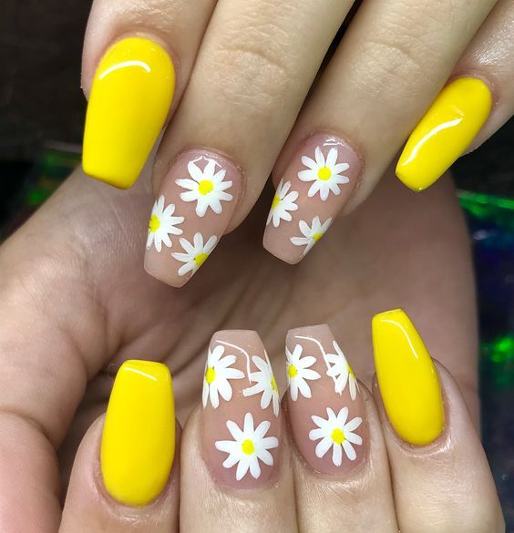 23 Spring Nail Art Designs