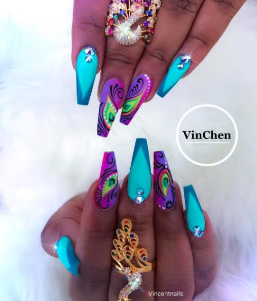 25 Peacock Nails
