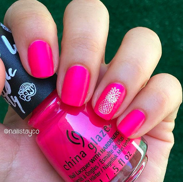 5-Looks-Pretty-Pink-Nail-Inspiration