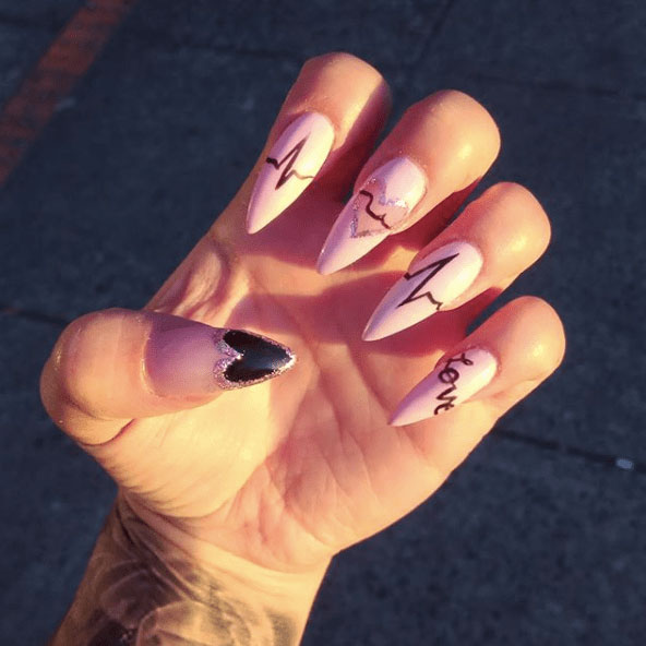 8-Looks-Nails-for-Valentines-Day