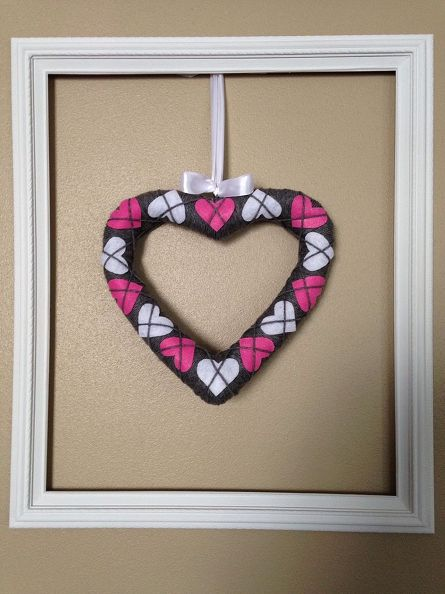 1 Simple And Sweet Argyle Valentine Heart Wreath