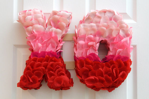2 Valentines Day XO Rose Petal Wreath