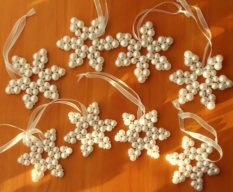 11 Fun and Easy Snowflake Craft Projects