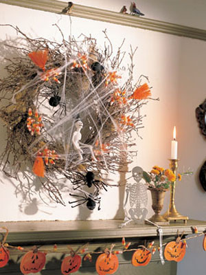 13 Super Easy Halloween Decorations and Crafts You Can Make Yourself