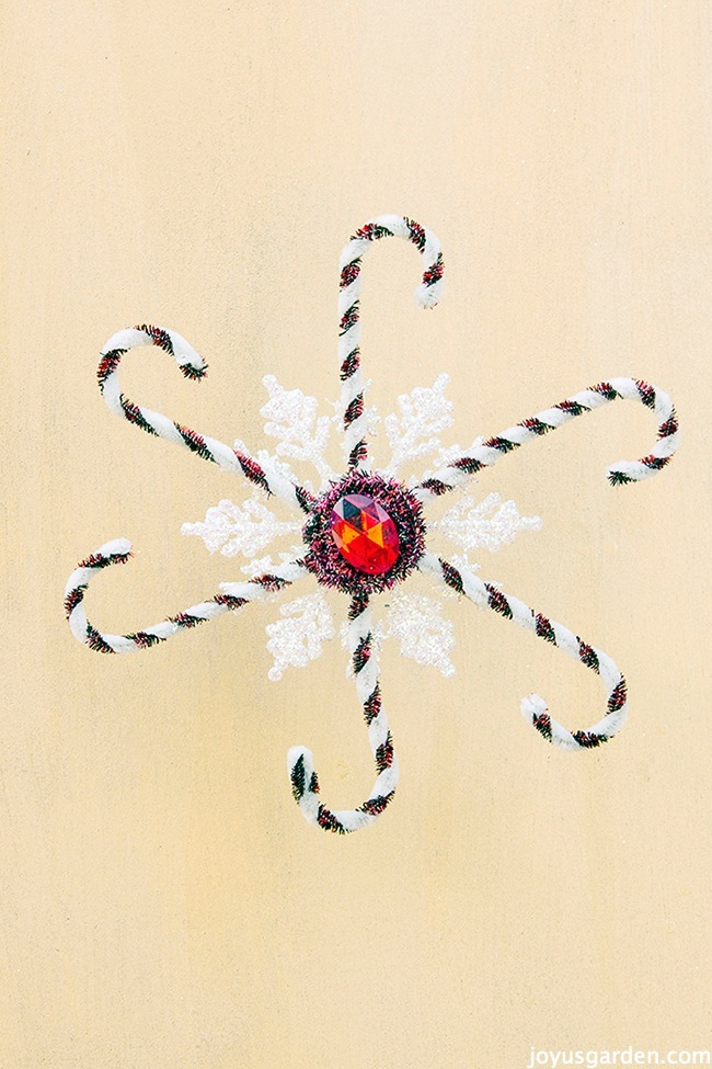 16 Fun and Easy Snowflake Craft Projects