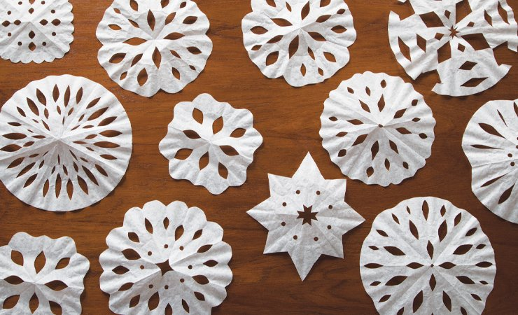 17 Fun and Easy Snowflake Craft Projects
