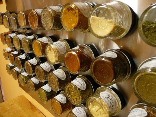 2 Amazing Ideas For Organizing With Mason Jars
