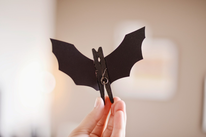 2 Super Easy Halloween Decorations and Crafts You Can Make Yourself