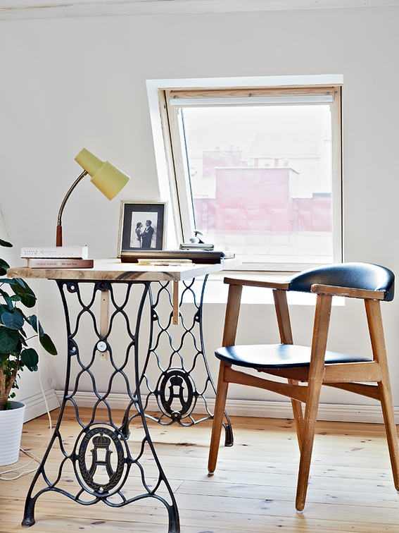 2 TOP 10 Awesome Ideas To Recycle Your Old Sewing Machines