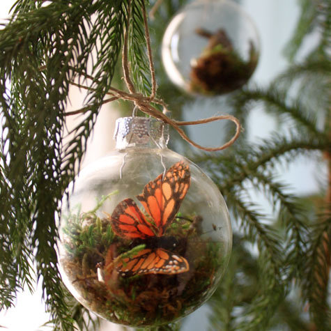 22 Creative Ideas for Decorating and Filling Clear Glass Ornaments
