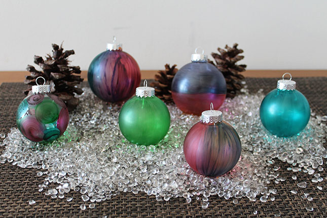 29 Creative Ideas for Decorating and Filling Clear Glass Ornaments