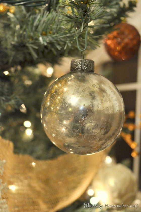 3 Creative Ideas for Decorating and Filling Clear Glass Ornaments