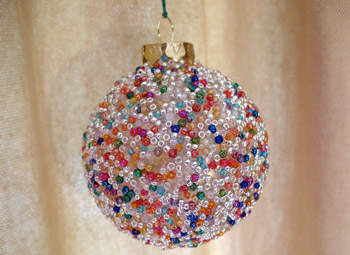 30 Creative Ideas for Decorating and Filling Clear Glass Ornaments