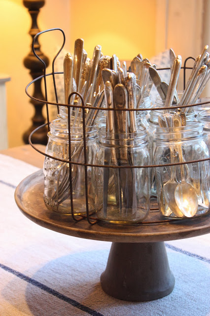 4 Amazing Ideas For Organizing With Mason Jars