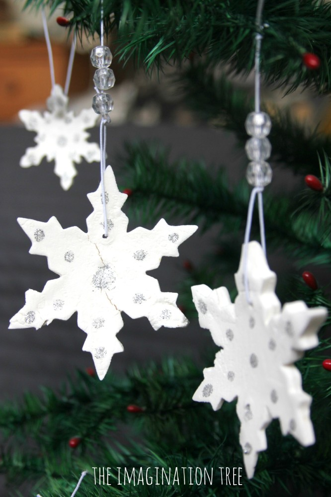 5 Fun and Easy Snowflake Craft Projects