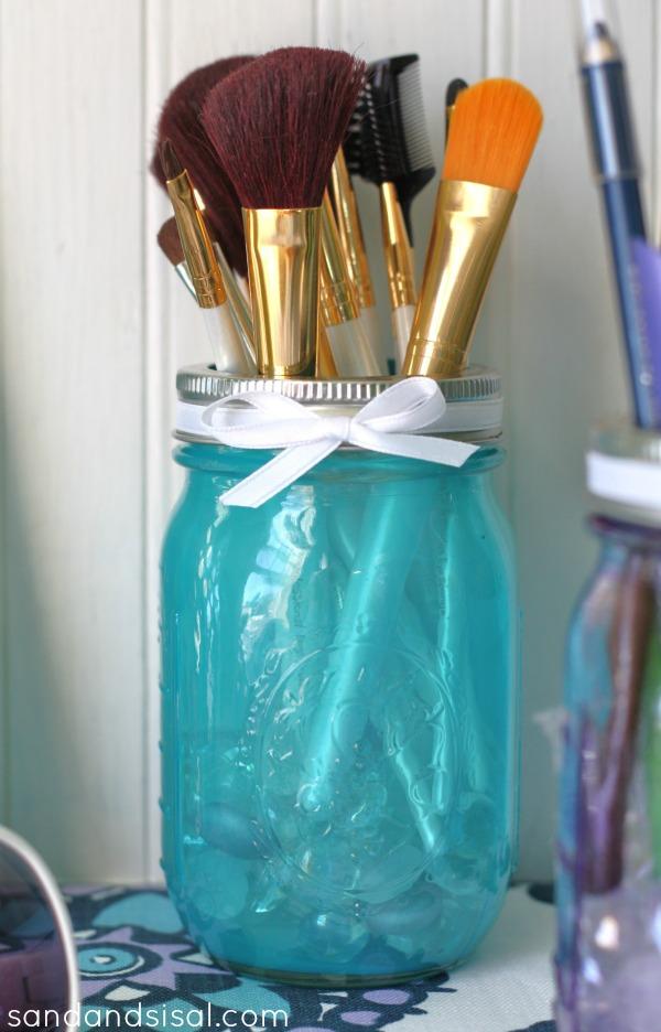 8 Amazing Ideas For Organizing With Mason Jars