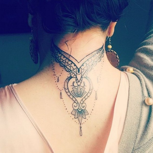 1 Delicate Tattoo on Back of the Neck
