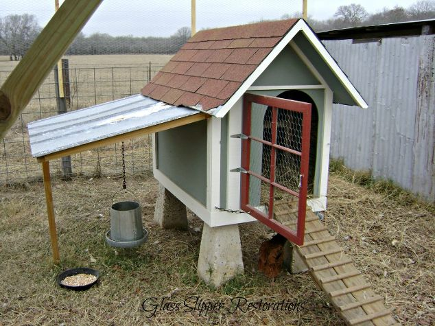 2 Creative DIY Chicken Coop Designs